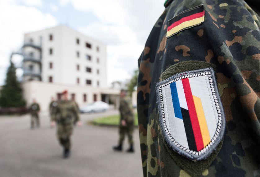 Soldats de la brigade franco-allemande à Illkirch, près de Starsbourg