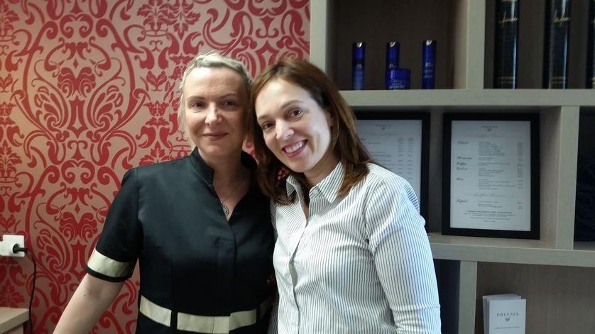 Clémence Souquet, fondatrice de Freesia, et l'une de ses employées, Gladys.