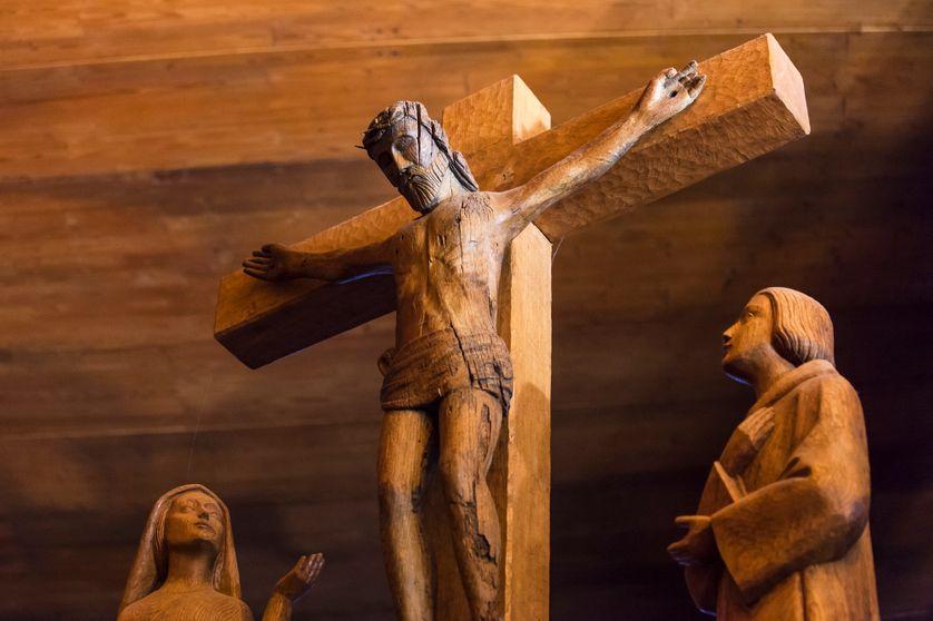 calvaire à l'intérieur de la chapelle de Sainte Marie