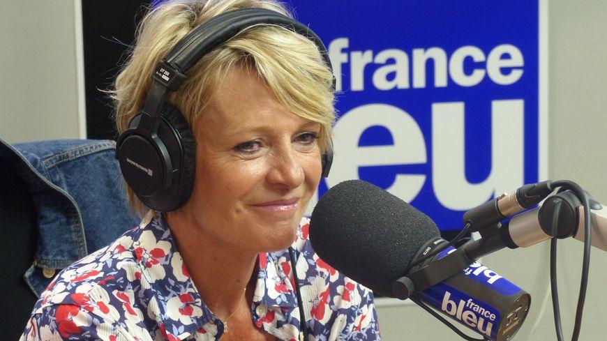 Sophie Davant dans le studio de France Bleu Gironde