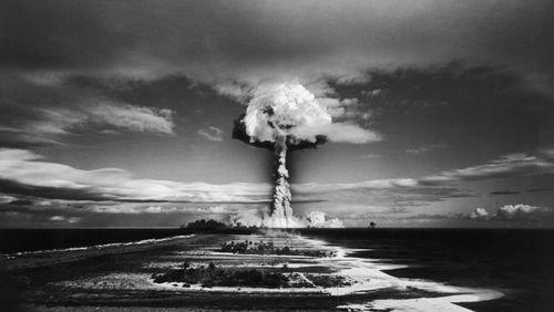 Épisode 1 : L'aventure de l'atome, un avenir radieux