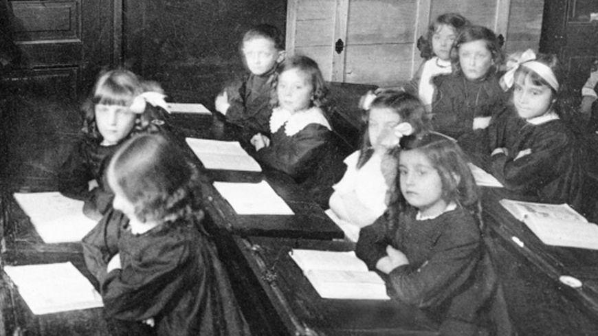 Une école en France dans au début du 20ème siècle