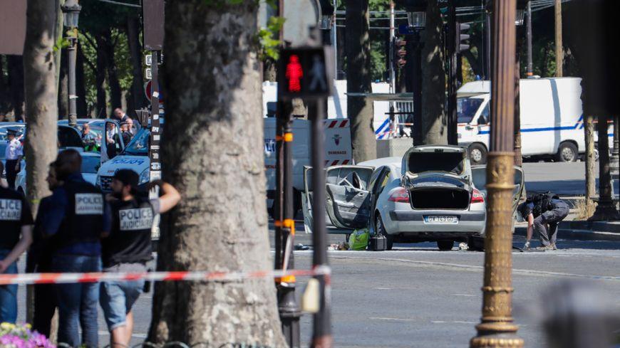 L'homme, au volant d'une Renault Mégane, a volontairement percuté le véhicule de gendarmerie.