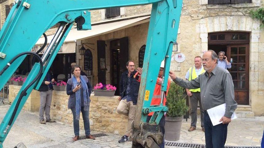 Le maire de Beynac avait stoppé les travaux ordonnés par le Conseil départemental, fin mai.