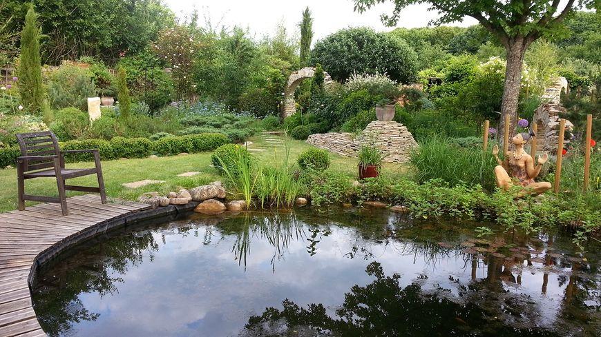 trois jours pour d couvrir les plus beaux jardins de l 39 yonne. Black Bedroom Furniture Sets. Home Design Ideas