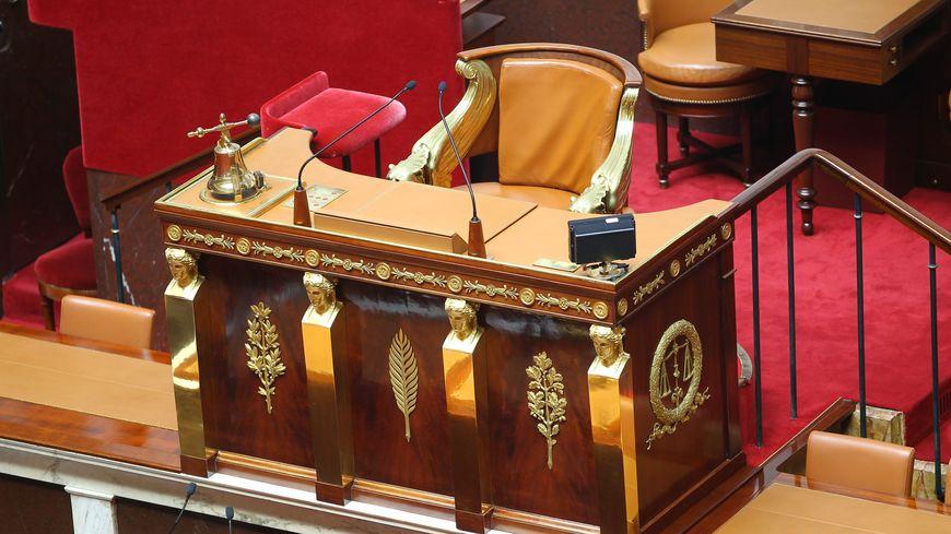 Le perchoir, où se place le président de l'Assemblée nationale