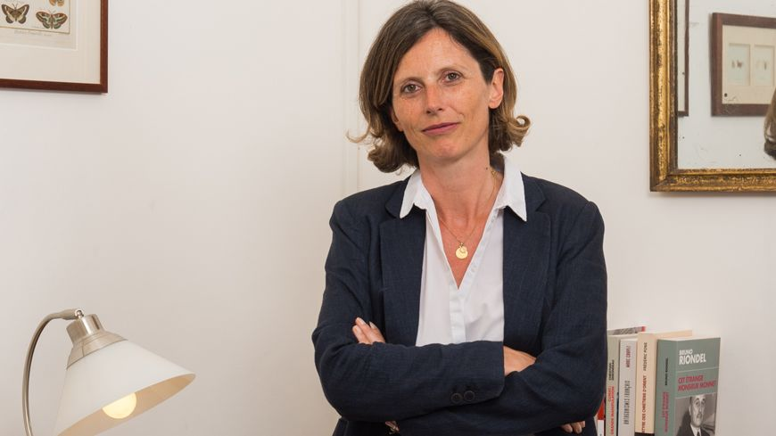 Emmanuelle Ménard