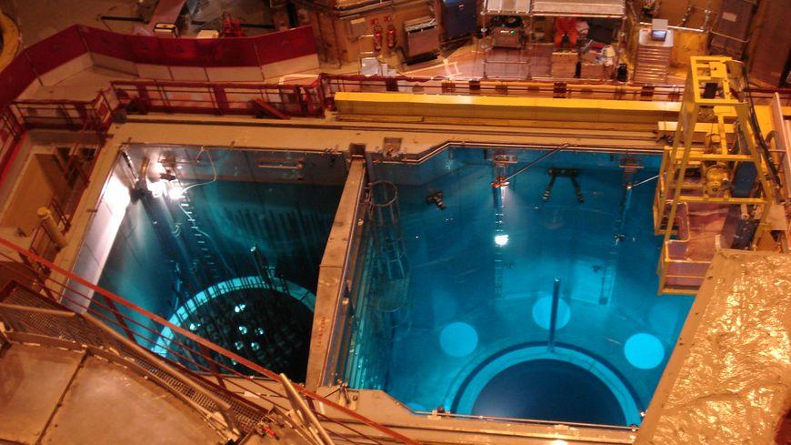 Le réacteur est à l'arrêt, en cours de maintenance