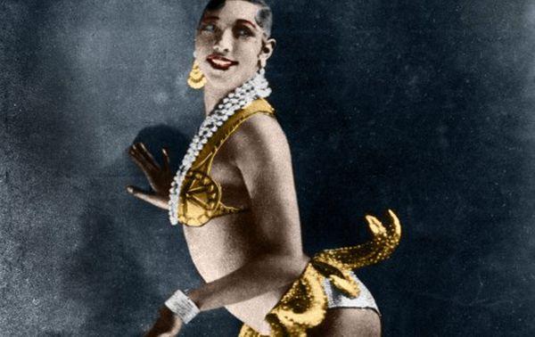La célèbre ceinture de bananes de Joséphine Baker dans 'La Folie du Jour', spectacle des Folies Bergères en 1926.