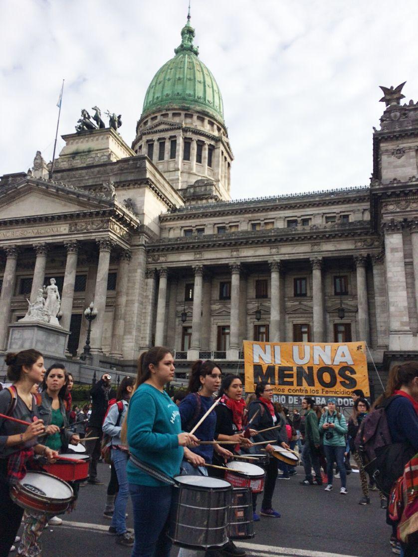 A Buenos Aires, la manifestation est passée se faire entendre devant le Congrès de la Nation