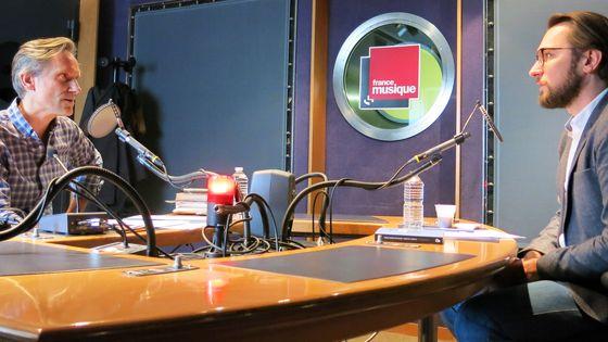 France Musique, studio 142... Le producteur Philippe Venturini & Stéphane Roth, Directeur éditorial des éditions La-rue-musicale de la Philharmonie-de-Paris (de g. à d.)