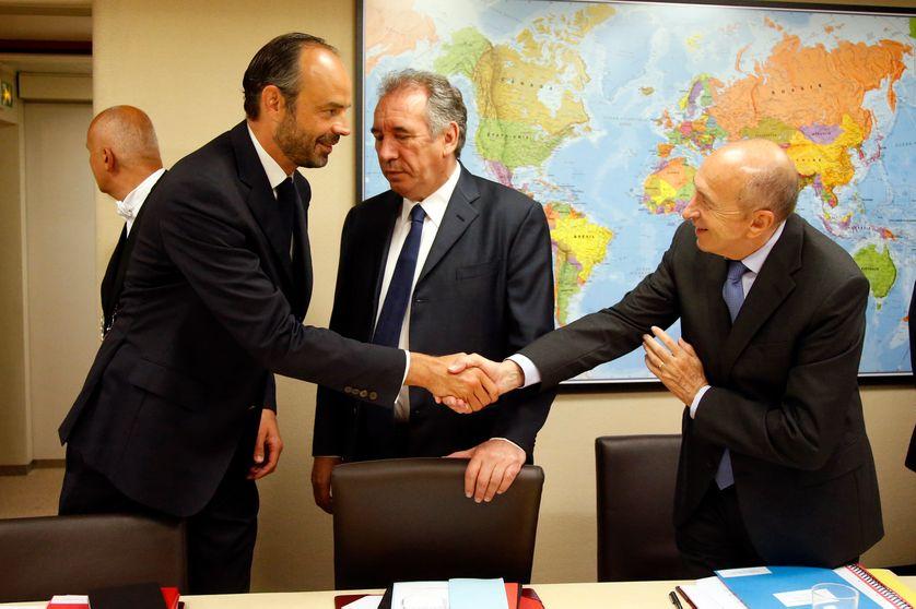 Le premier ministre Edouard Philippe (LR), Fran,çois Bayrou (Modem) et Gérard Collomb (PS) : un gouvernement pluri-partis...