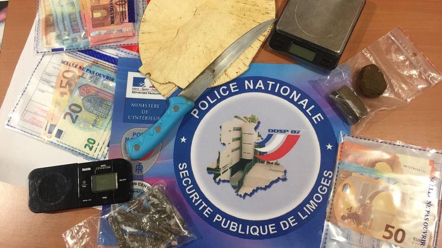 Pendant un an et demi, le principal trafiquant a vendu plus de 100 000 euros de drogue.