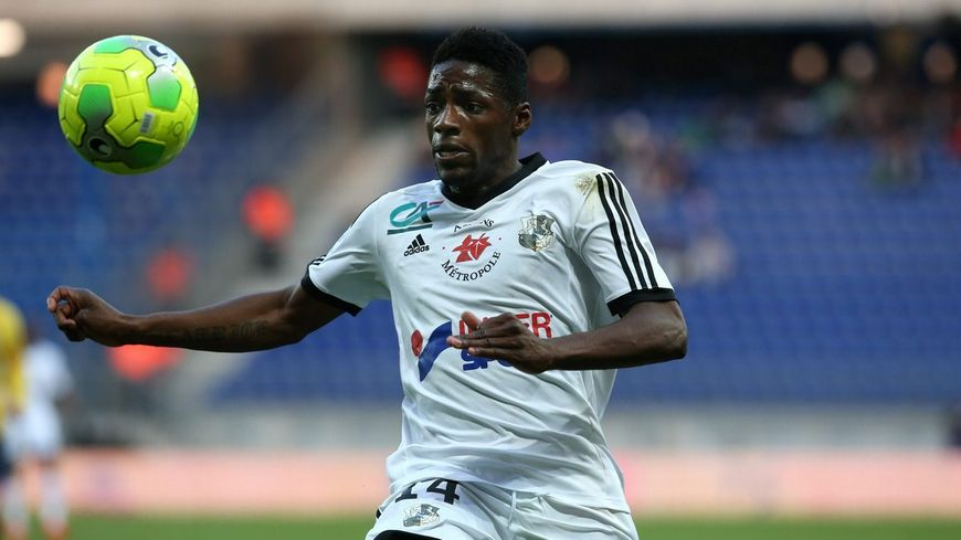 Harrison Manzala, ancien attaquant du HAC, jouera en Ligue 1 avec Amiens