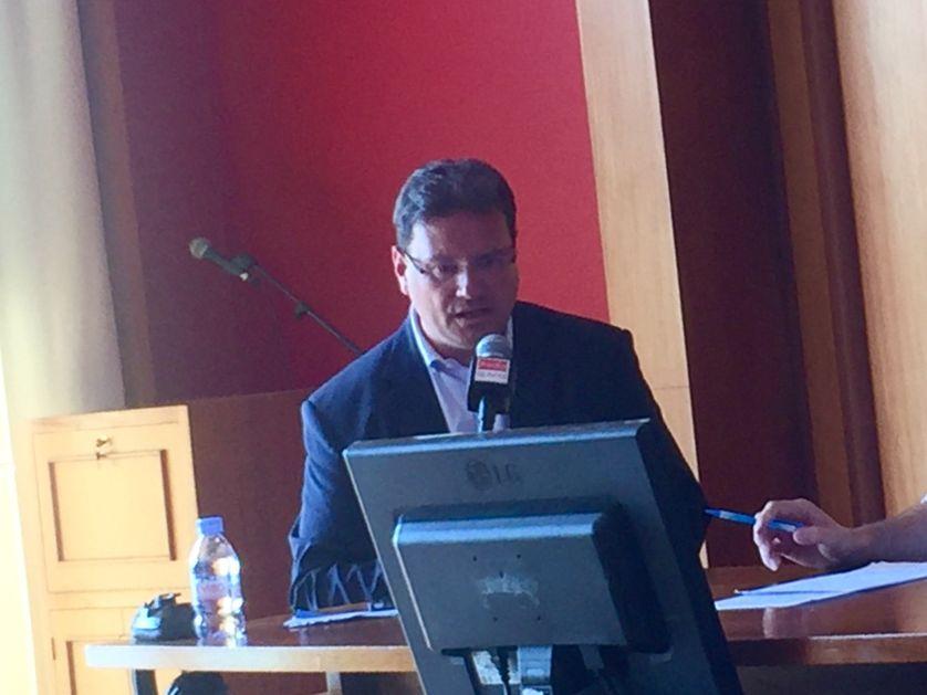 Le député sortant Philippe Gosselin (LR) dans la 1ère circonscription de la Manche