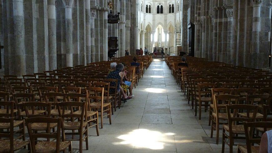 Chaque année, autour du solstice d'été, le chemin de lumière apparaît dans la basilique.