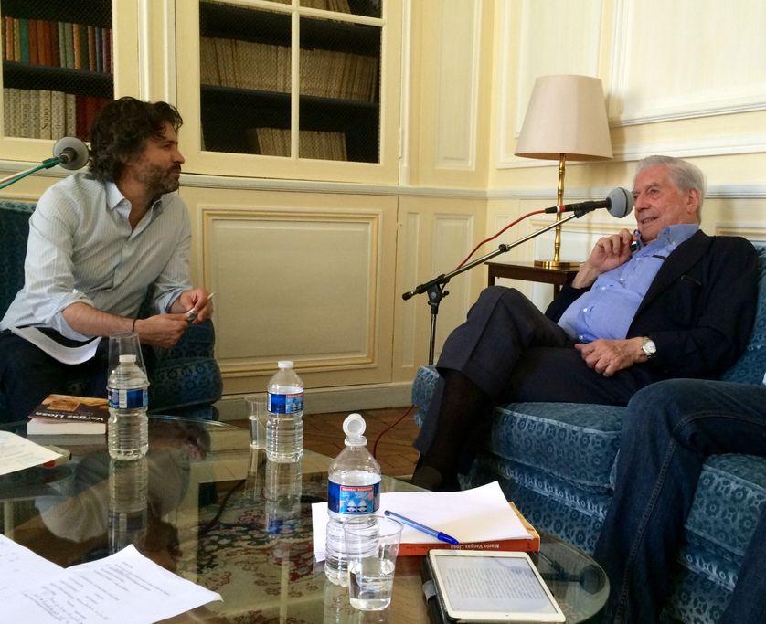 Christophe Ono dit Biot et Mario Vargas Llosa