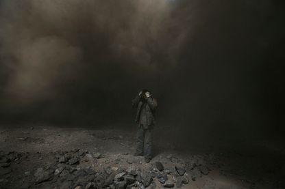 Mineur d'une charbon d'une centrale à charbon dans la ville de Fuxin dans la province de Liaoning, dans le nord-est du pays, le dimanche 14 avril 2013.
