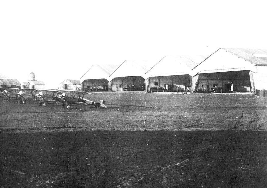 Une photo de la base aérienne américaine d'Issoudun.