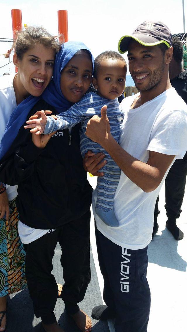 Une famille de réfugiés, sauvée à bord de l'Aquarius
