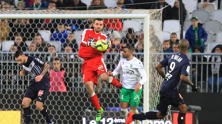Paul Bernardoni est prêté par Bordeaux à Clermont pour la saison prochaine.