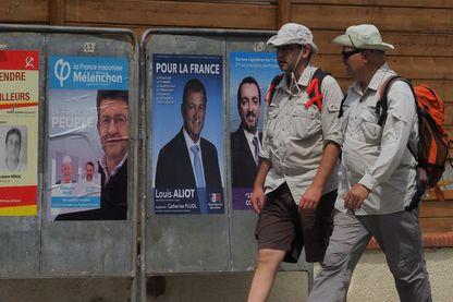 Derniers jours avant le premier tour des élections législatives en France