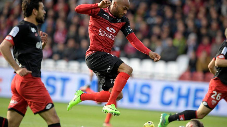 Calendrier Ea.Ligue 1 Le Calendrier D Ea Guingamp Pour La Saison 2017 2018