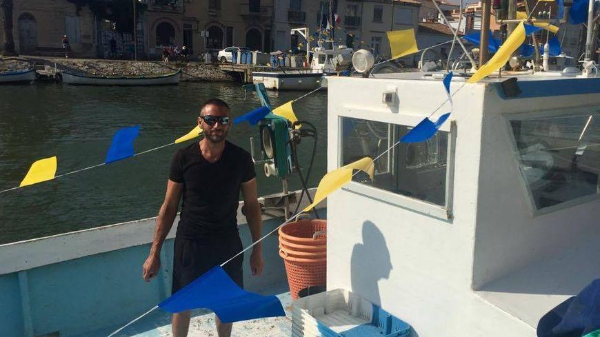 """Julien a décoré """"Enzo II"""" aux couleurs de la ville pour l'occasion."""