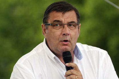 Le LR Jean-François Lamour, qui brigue un troisième mandat dans la 13e circonscription de Paris, sait que la victoire sera difficile face au candidat de la République en marche.