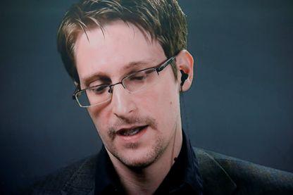 """La surveillance des données des citoyens et la déliquescence de la démocratie au cœur du documentaire """"Meeting Snowden"""" de Flore Vasseur"""