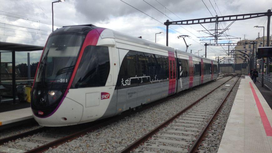 Le tram 11 relie le Bourget à Epinay-Sur-Seine en 15 minutes