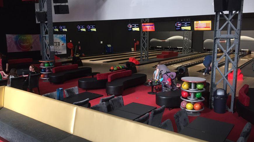 Un samedi après-midi, au bowling de Vierzon.