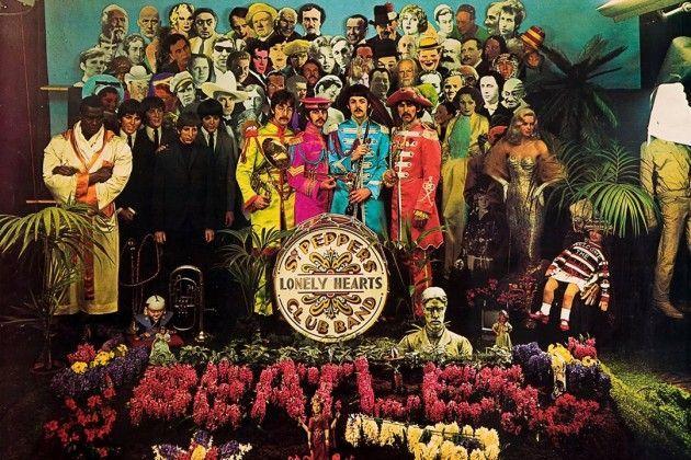 """Pochette de """"Sgt. Pepper's Lonely Hearts Club Band"""" des Beatles, sorti le 1er juin 1967"""