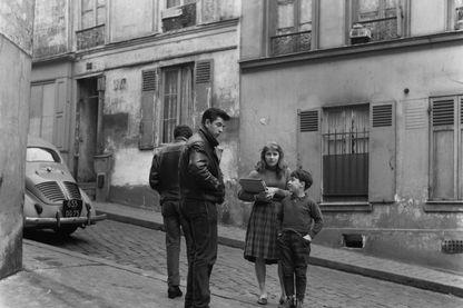Jeunes dans le quartier Belleville de Paris dans les années 60.