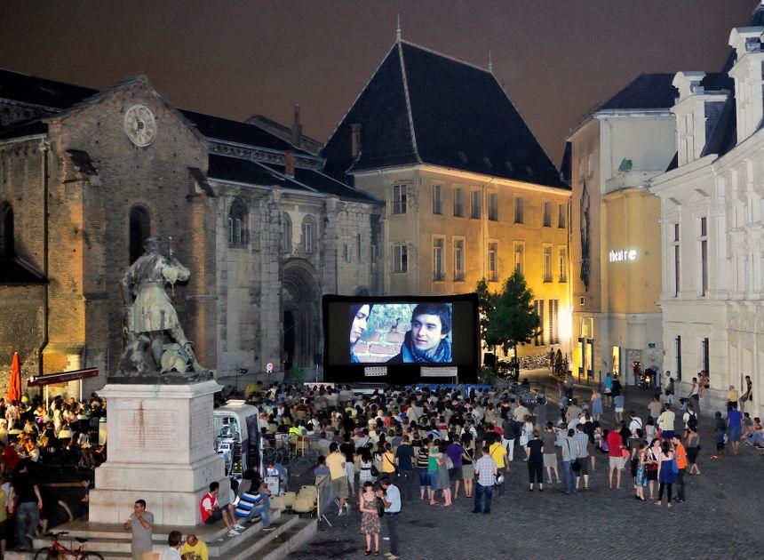 au coeur du festival place Saint André Grenoble