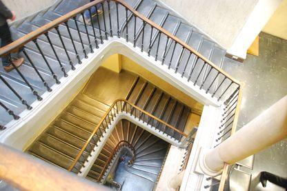 Le célèbre escalier de 148 marches du 36 quai des Orfèvres