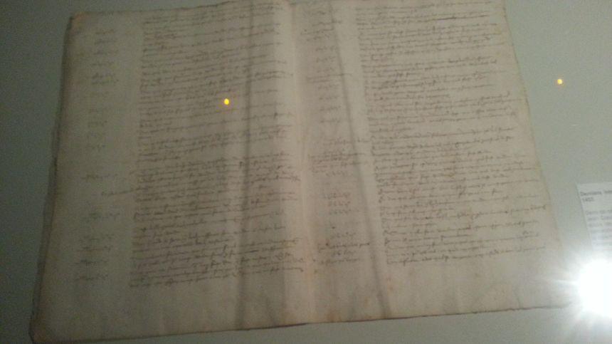 Le compte-rendu d'un interrogatoire de J.Coeur (prêté par les archives départementales de la Loire) où on s'aperçoit que le marchand a subi la question.