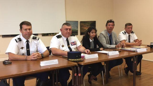 Au centre le Général Olivier Kim, le commandant des gendarmes de Bourgogne-Franche-Comté. A sa droite, Pauline Jouan, la directrice de cabinet de la Préfète.