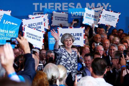 La Première ministre britannique Theresa May lors d'une campagne électorale à Solihull