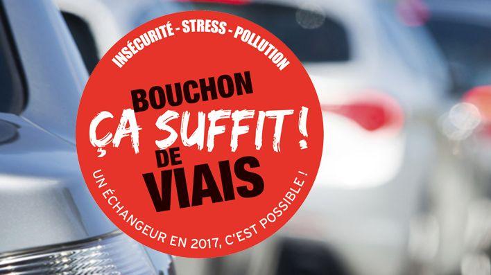 Les embouteillages du rond-point de Viais avaient entraîné une forte mobilisation des élus et des chefs d'entreprise locaux (capture écran du site petition-viais.fr)