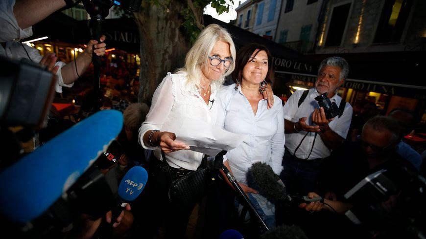 Marie Sara aux côtés de Katy Guyot à Aigues Mortes le soir de sa défaite aux législatives