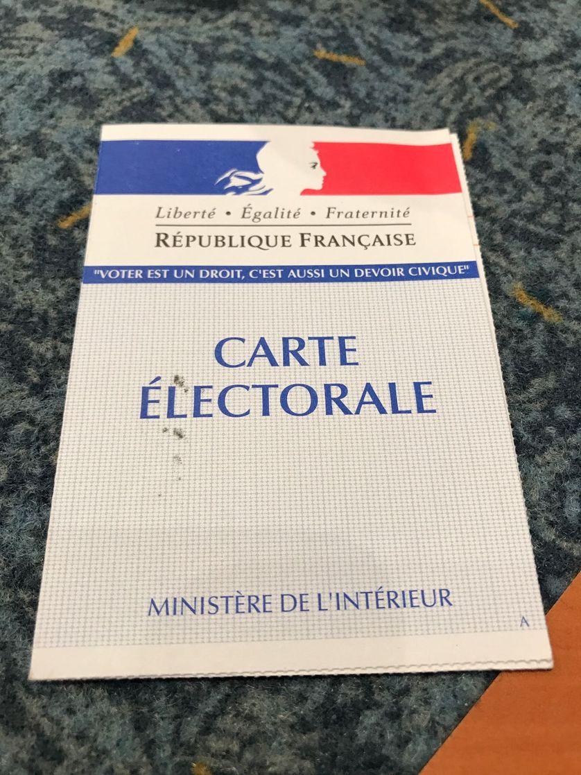 """""""Voter est un droit, c'est aussi un devoir civique"""" peut-on lire sur nos cartes électorales"""