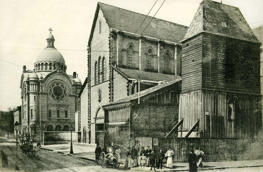 Le Havre ( Normandie ) : eglise Saint-Joseph ( Saint Joseph , St-Joseph ), chapelle et externat au debut du 20eme siecle - carte postale envoyee en 1907