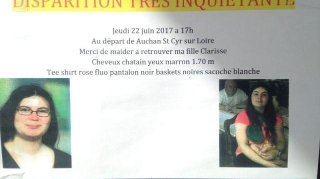 Affiche collée sur les vitrines de plusieurs commerces à Saint-Cyr-sur-Loire