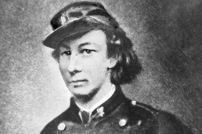 Louise Michel en uniforme de la Garde Nationale après la bataille de 1871