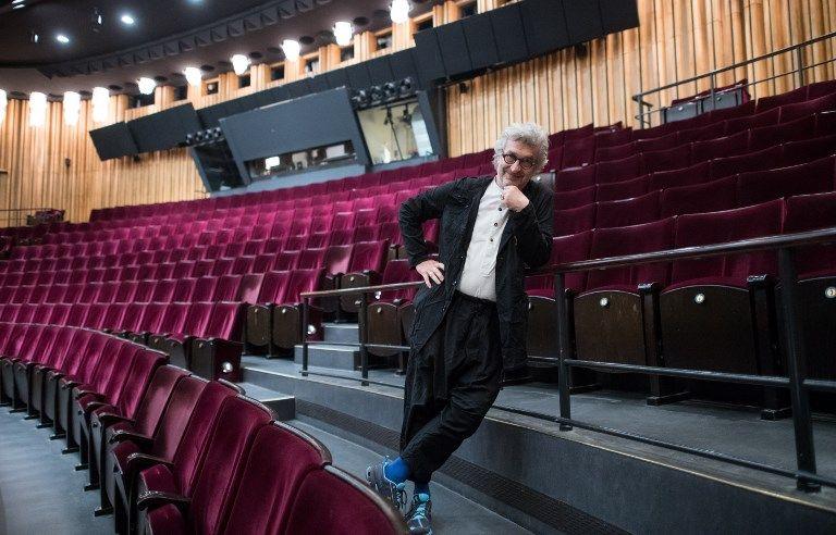 """Hors de France, on choisit plutôt des réalisateurs. Wim Wenders (ici le 13 juin) met en scène son premier opéra : """"Les pêcheurs de perles"""" de Bizet à l'Opéra National de Berlin, 1ère le 24 juin"""