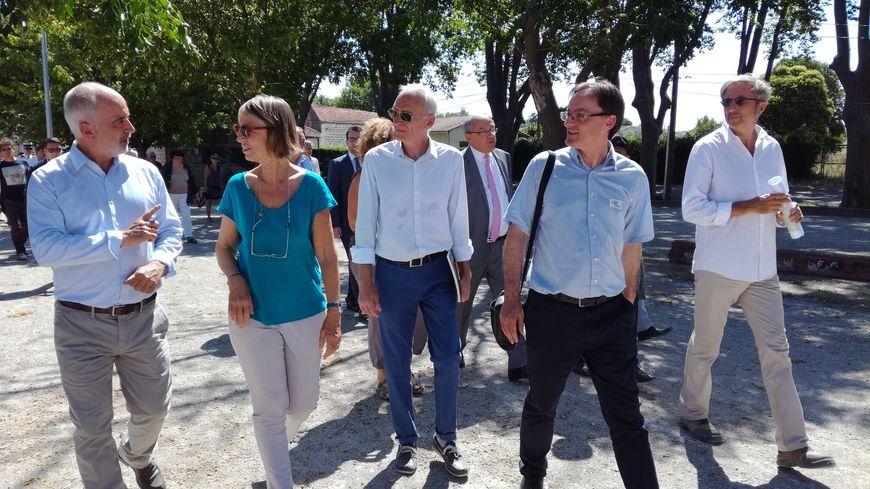 La ministre de la culture Françoise Nyssen sur le site archéologique du Cailar