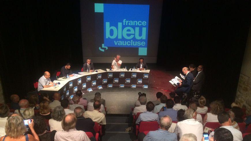 Débat autour des cinq députés de Vaucluse
