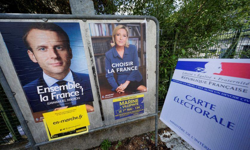 Les affiches électorales pour le second tour de l'élection présidentielle de 2017