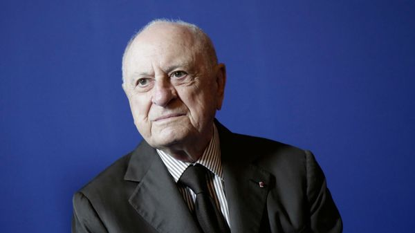 Pierre Bergé vend aux enchères l'édition originale du livret des Maîtres chanteurs
